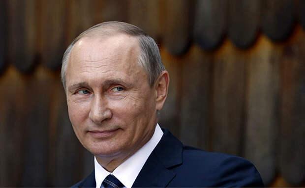 Питерский дизайнер посвятил одежду Путину (ФОТО)