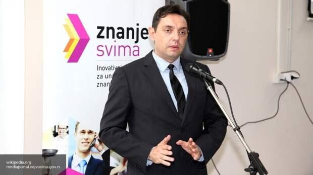Министр обороны Сербии Вулин заступился за военных России, оскорблённых местным депутатом