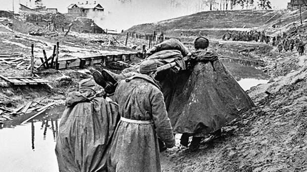 МО опубликовало рассказывающие о героизме советских солдат в Венгрии документы