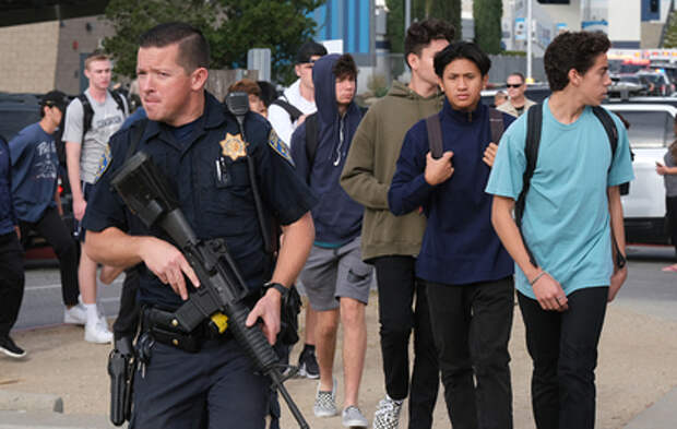 Страна под прицелом: в США за неделю застрелили 430 человек