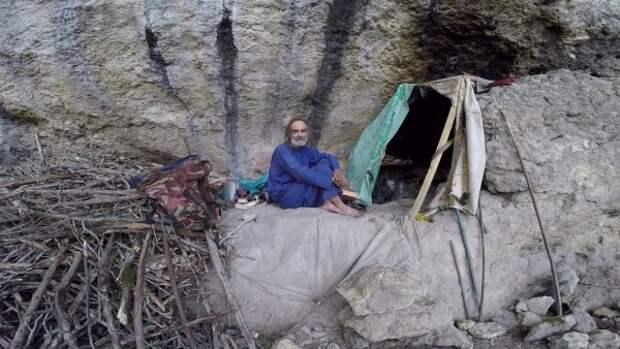 Жизнь отшельников в Крыму (ВИДНО)