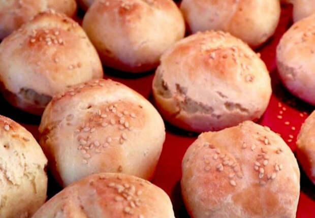 Хлеб без дрожжей готов за 15 минут в духовке: получилось нежнее и мягче магазинного