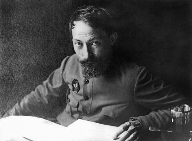 Почему Дзержинского сняли с должности главы ЧК в июле 1918 года