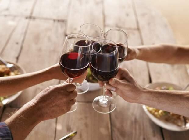 В Крыму советуют пить в жару вино