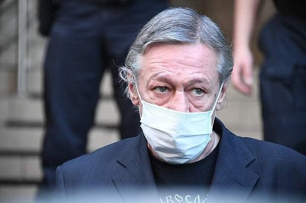 «Дело лжесвидетелей» Михаила Ефремова: буйный подозреваемый устроил перепалку возле суда