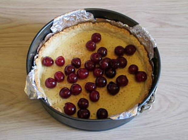 Пирог с вишней из песочного теста - рецепт с пошаговыми фото