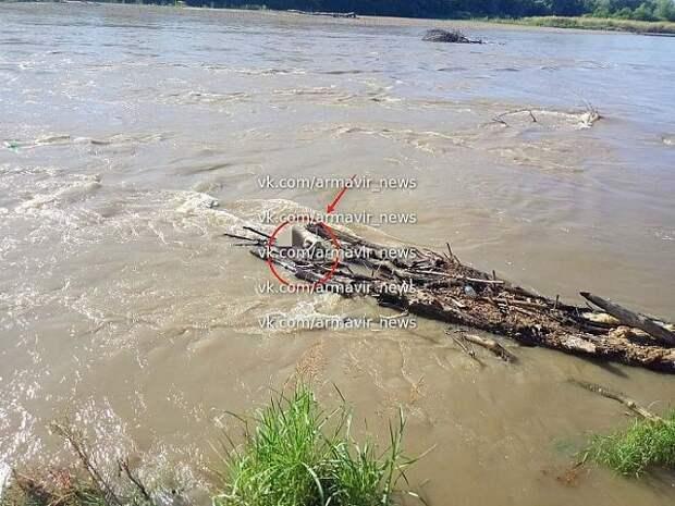 В Армавире нашли тело пропавшей три дня назад в реке школьницы
