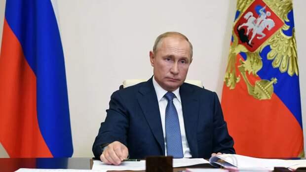 Прочерченная Путиным красная линия за считанные часы защитила Белоруссию от Запада