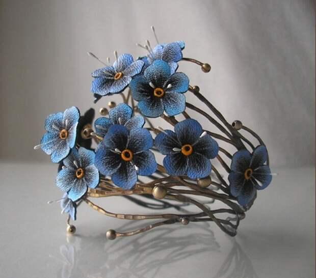Кожаные цветы в украшениях