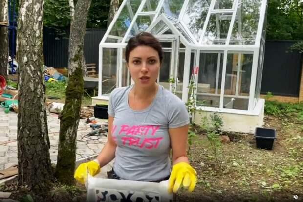 Анастасия Макеева занялась реставрацией мебели из-за нехватки денег