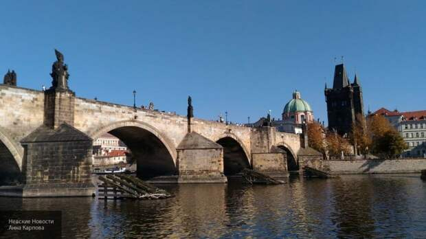 СМИ: посольство РФ попросило чешскую полицию выделить охрану дипломату