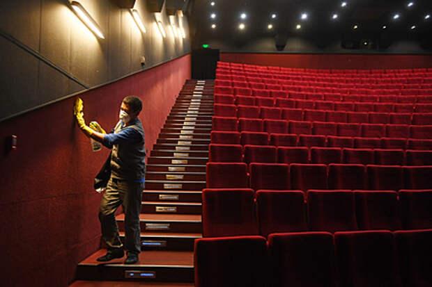 Стали известны сроки открытия кинотеатров в России