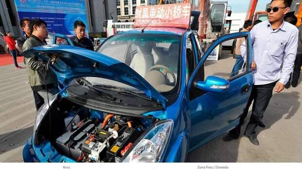 Чтобы не умирать от смога и газов, китайцы пересели на электромобили