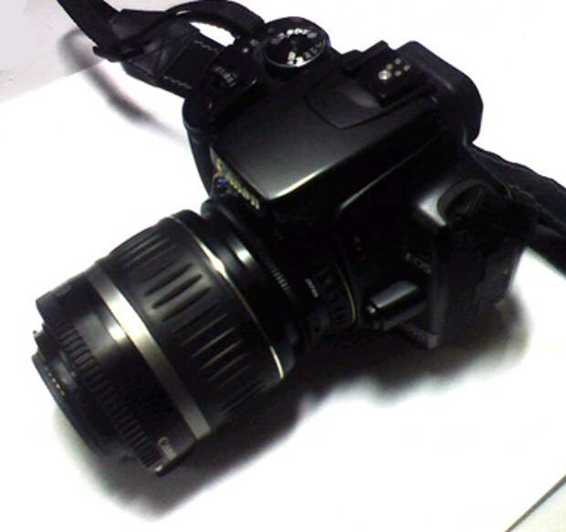 Так выглядитфотоаппаратс объективом-перевертышем