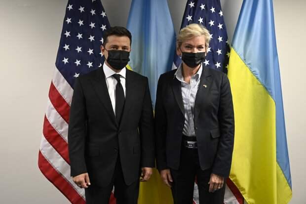 Владимир Зеленский во время визита в США допустил абсурдные антироссийские заявления, противореча сам себе....