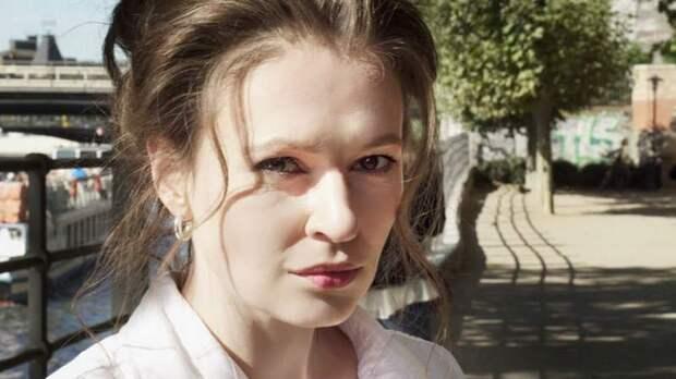 Загадочная Мария Певчих тщательно подчищает следы в Сети: история одной сушилки