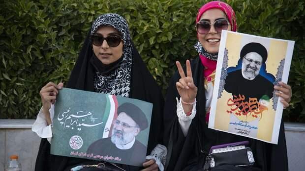 Президентские выборы в Иране проходят на фоне критики в соцсетях