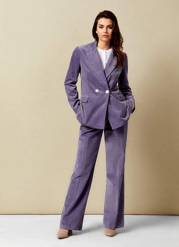 Вельветовый костюм: теплая и модная основа весеннего образа 2021