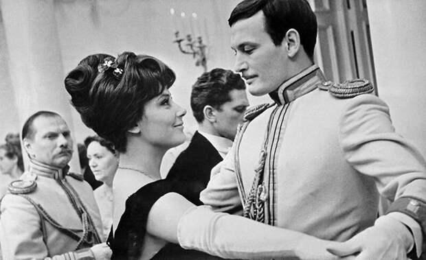 Кадр из фильма  «Анна Каренина» (1967 год)