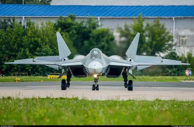 Стали известны сроки первого полета Су-57 с новыми двигателями