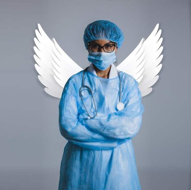 Портреты медсестер НМИЦ Гематологии в образе ангелов появились в центре столицы