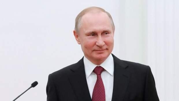 Путин направил жительнице Севастополя поздравительную телеграмму