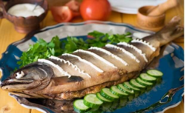Фаршированная горбуша к праздничному столу: нарядно, сочно, вкусно