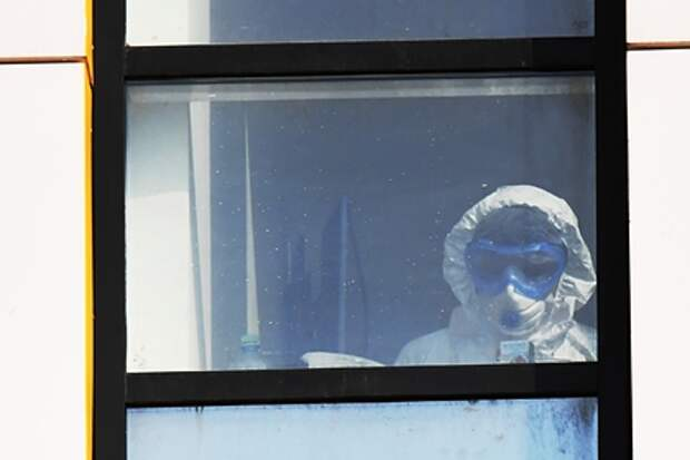 """Ещё один врач """"выпал"""" из окна"""