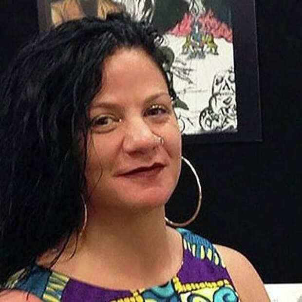 Преподавательница Университета Джорджа Вашингтона, которая притворялась чернокожей, будучи белой, уволилась