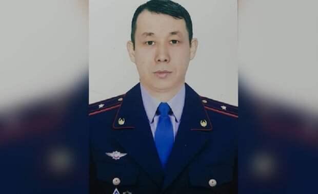 В Казахстане полицейский выпрыгнул за педофилом с 13-го этажа
