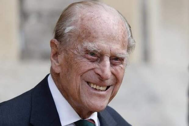 Как выглядел в молодости муж Елизаветы II 99-летний принц Филипп