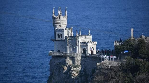 Вызывает иронию: в Крыму посчитали бессмыслицей новую стратегию Зеленского по возвращению полуострова