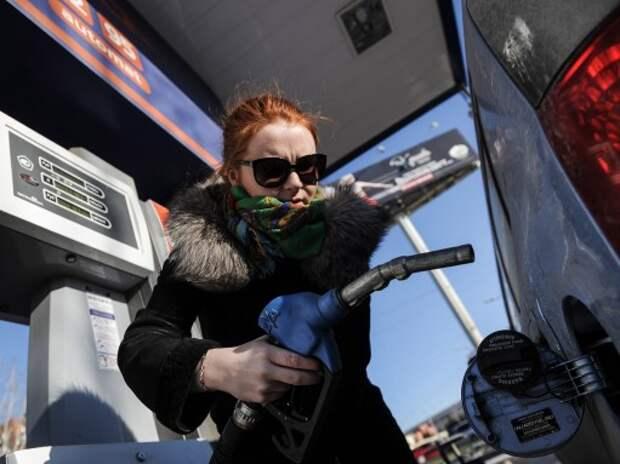 За 11 месяцев цены на бензин в России подскочили на 7,4%