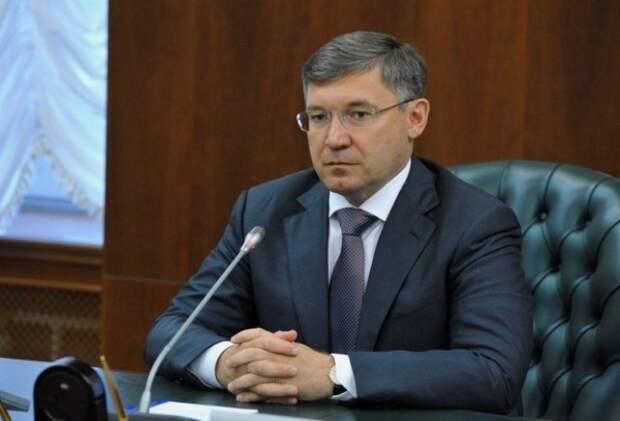 СМИ: Михаил Мень покидает должность главы Минстроя