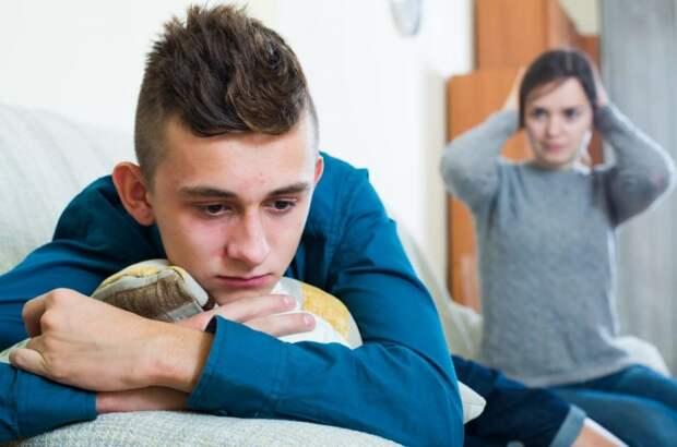 Сын-подросток пошел вразнос, мать не справляется, а ее новый муж помочь в воспитании не хочет