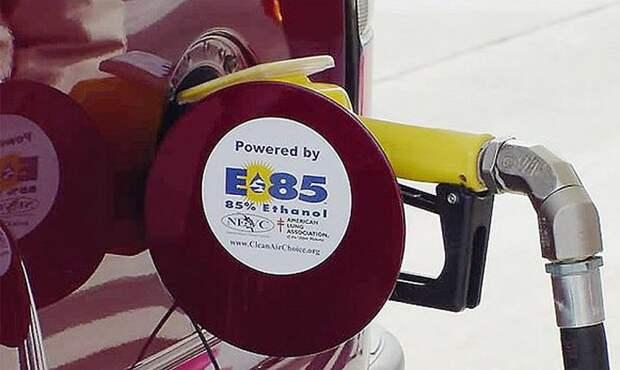 Этанол – это хорошая антидетонационная добавка к топливу. | Фото: crimea.kp.ru.