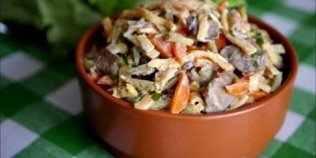 салат из печени, моркови и огурцов