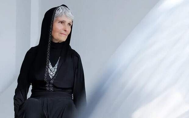 Бывший геолог российской шахты стала моделью в 80 лет и прославилась