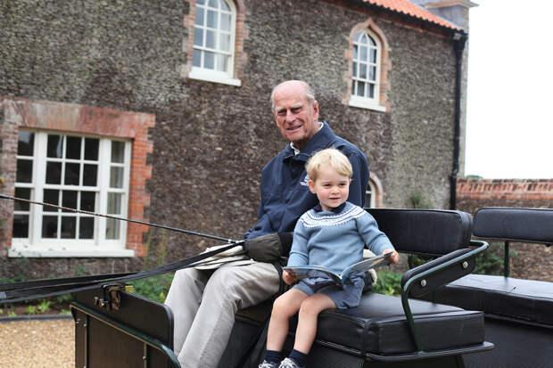 Принц Уильям почтил память дедушки — принца Филиппа