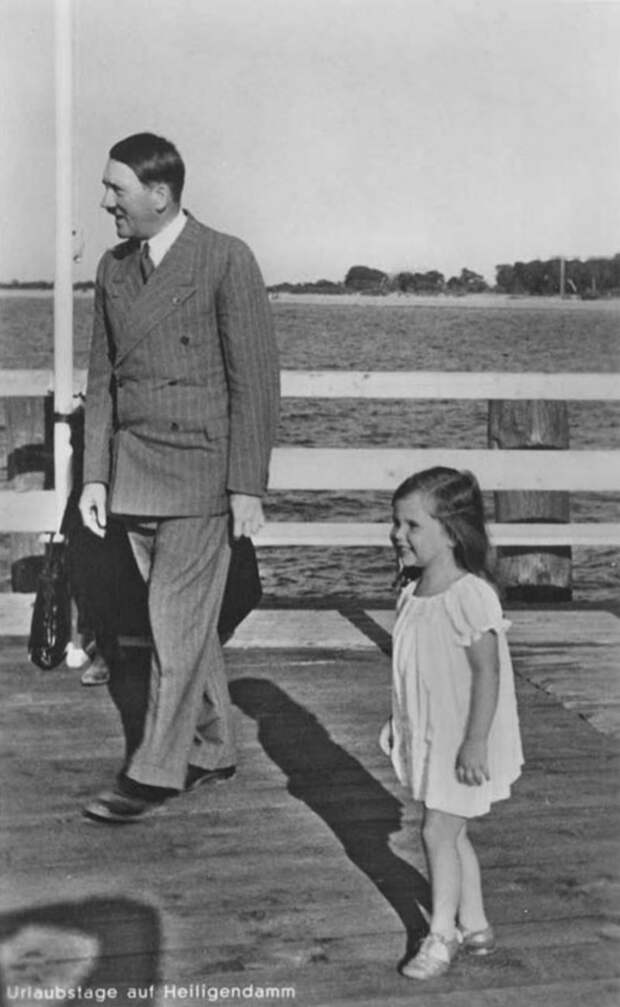 hitler-and-helga-goebbels-2.jpg
