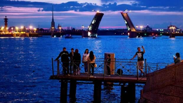 В честь Всемирного дня туризма в Петербурге проведут бесплатные экскурсии