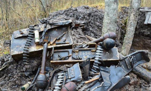 Оружейный клад немецкого блиндажа: черные копатели вскрыли пол