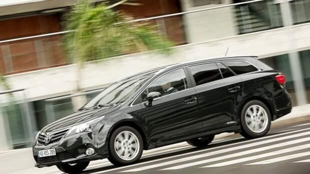 Toyota откажется от седана Avensis