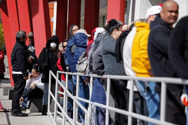 Между тем, число безработных в США приближается к 40 миллионам