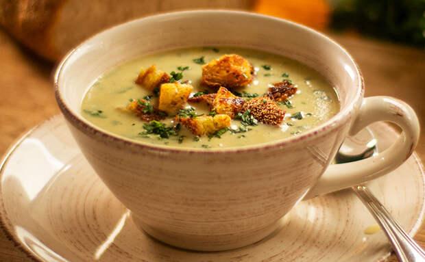 Берем 2 головки чеснока и превращаем в кастрюлю чесночного супа. Делаем как в Италии