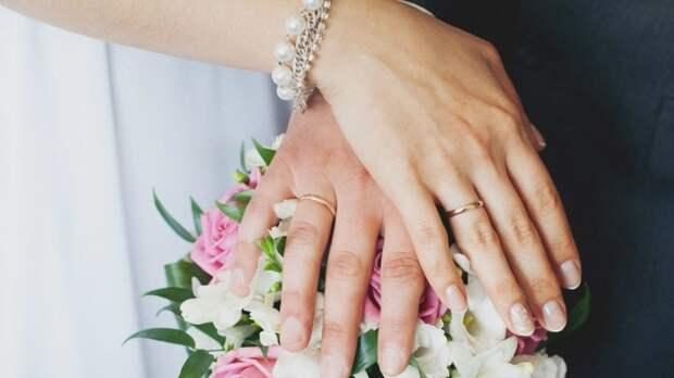 Осужденный поджигатель офиса «Единой России» женится на подельнице 23 июня