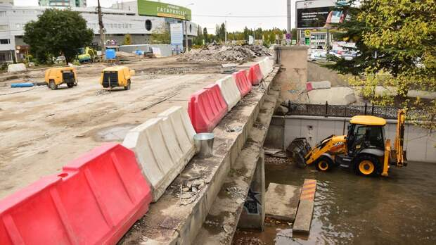В Симферополе ремонт аварийного автомобильного моста закончат до 1 ноября