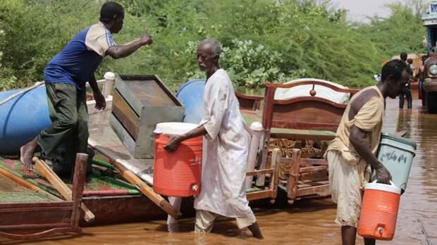Наводнение оставило 1300 семей в Судане без жилья