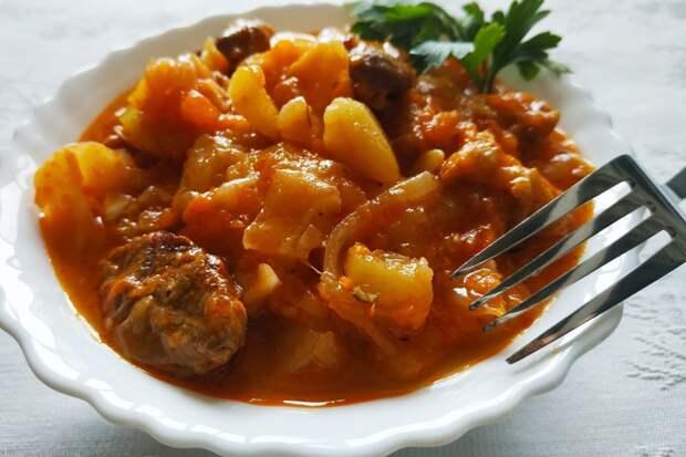 Мясное рагу из свинины с овощами