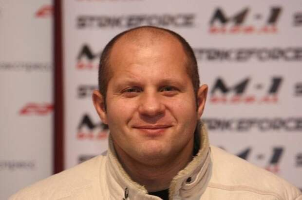Емельяненко отказался от боя с Леснаром из-за денег